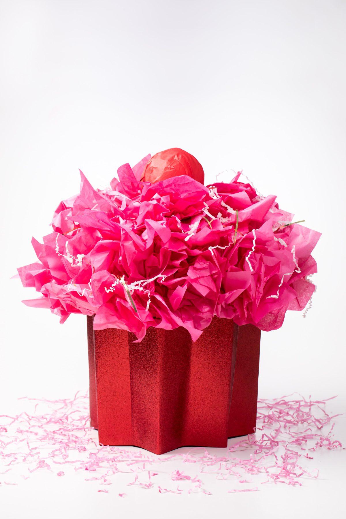 5D4B8282 - Cupcake Valentine Day Box