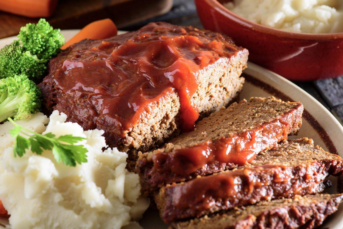 Microwave Friendsgiving turkey meatloaf