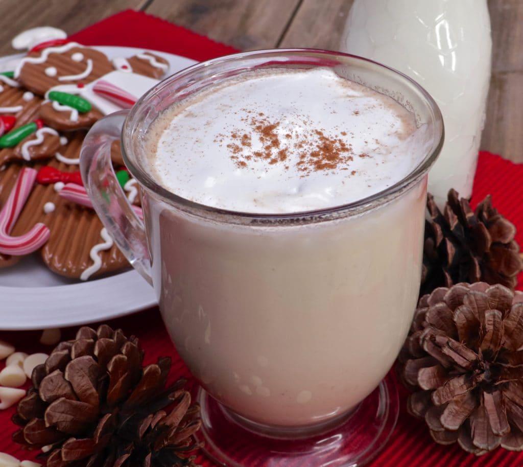 creamy-gingerbread-white-hot-chocolate-recipe-1024x914