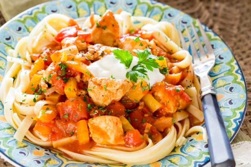 Dinner and a movie When Harry Met Sally easy chicken paprikash