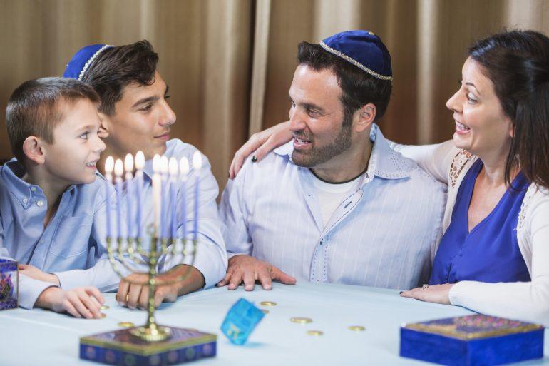 hanukkah-traditions