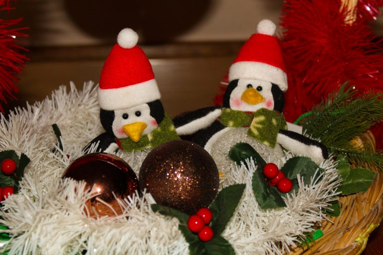 stuffed-penguins-christmas-ornament