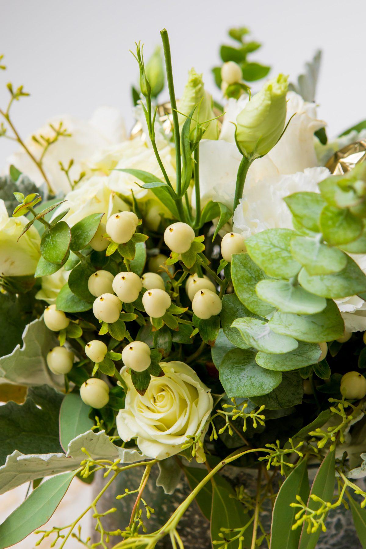 5D4B3786 - Tablescapes - Christmas-floral-arrangement