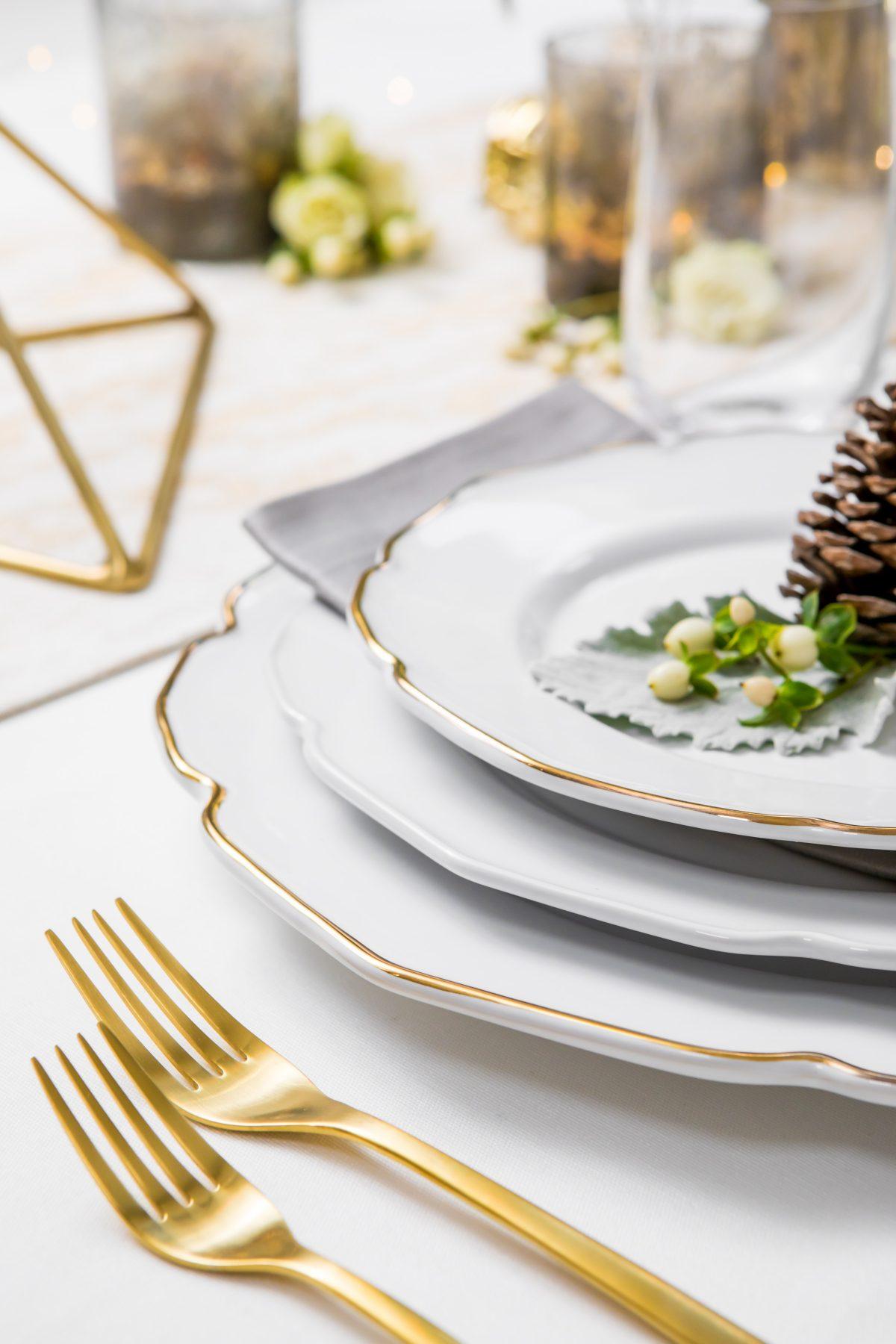 5D4B3865 - Tablescapes - Christmas-mix-your-metals
