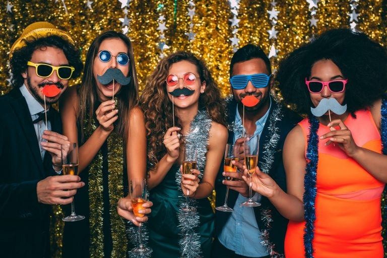 friends-on-new-years-funny