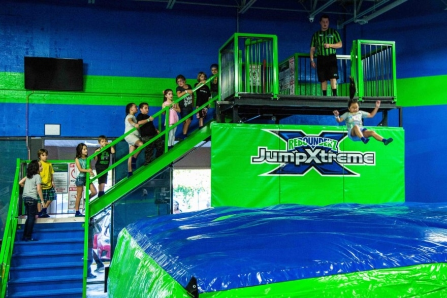 Exercise programs you can do with your kids Rebounderz