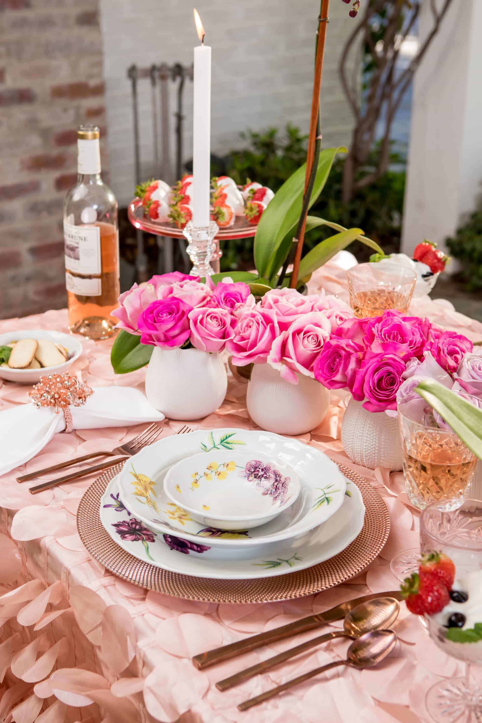 valentines-day-tablescape-eye-contact-candles