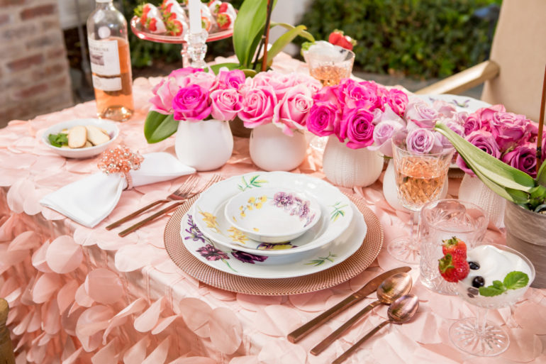 valentines-day-tablescape-featured