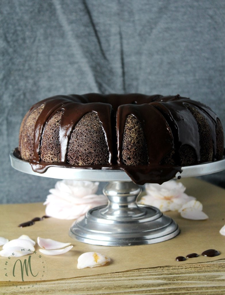 Chocolate-Stout-Bundt-Cake-with-Irish-Cream-Glaze