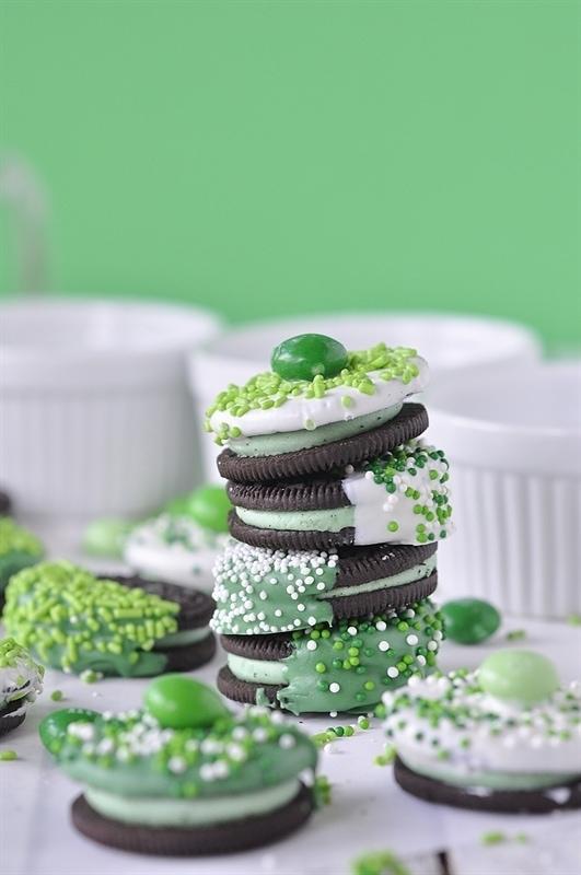 St.-Patricks-Day-Chocolate-Dipped-Oreos