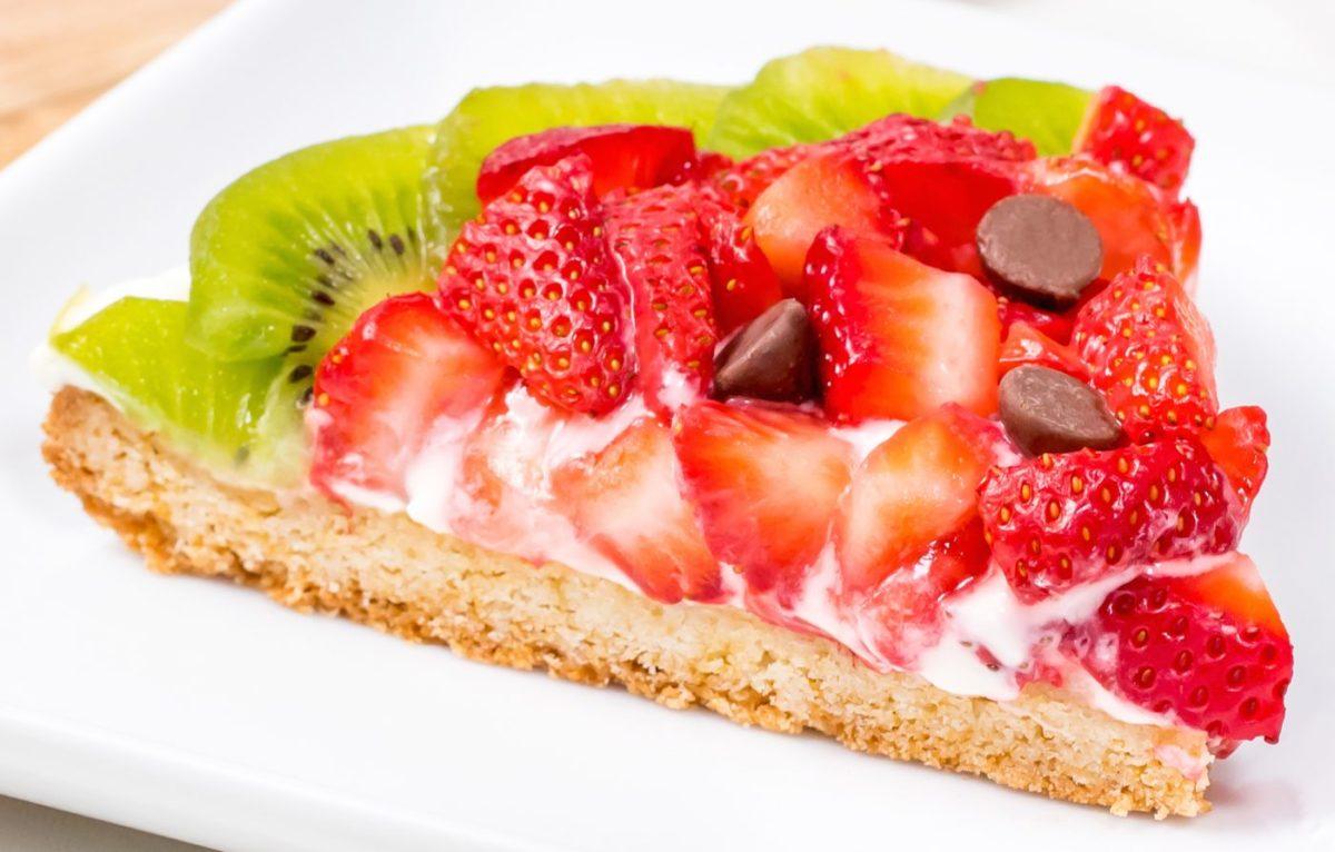 5D4B7479-Strawberry-Kiwi-Fruit-Pizza-Watermelon-beauty-shot-1400x894