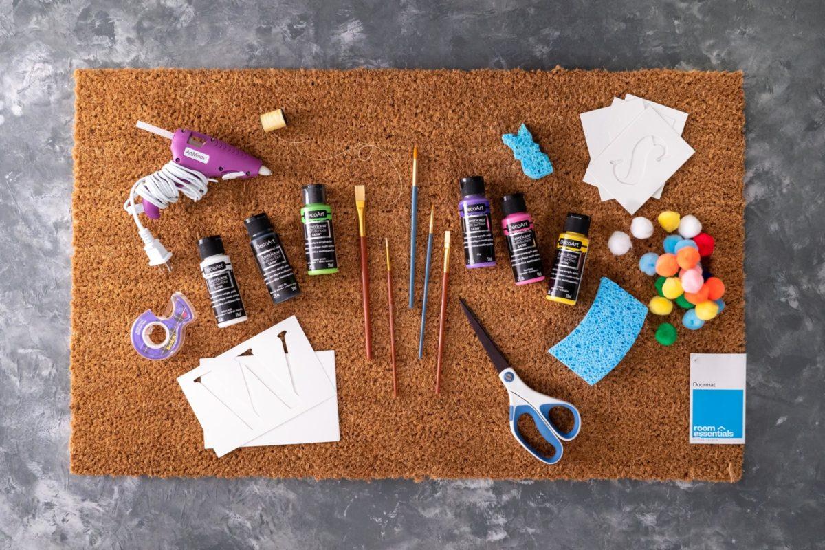 Supplies for DIY doormats
